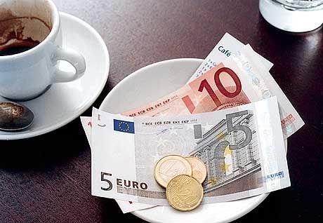 Euro-Bargeld: Schlechter Start für die neue Währung
