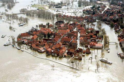 Hitzacker gleicht einer Insel: Hochwasser stieg schneller als erwartet