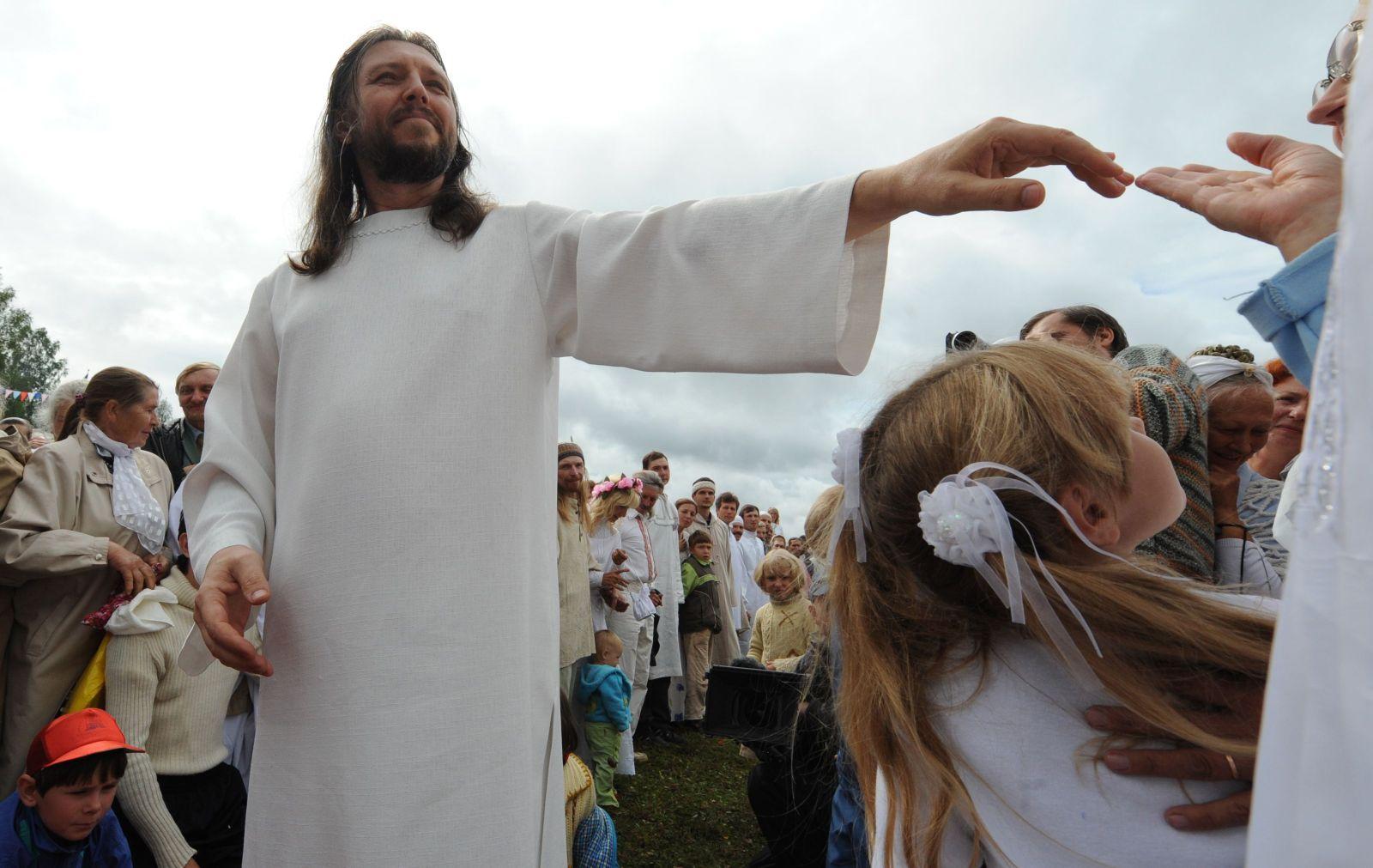 FILES-RUSSIA-RELIGION-SOCIAL-ARREST