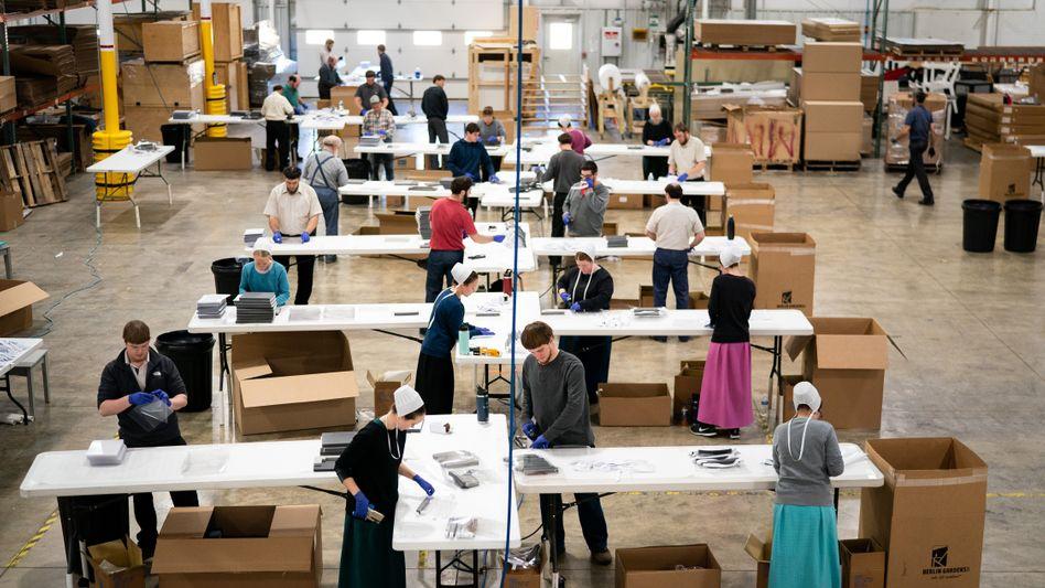 Amish-Schreinerei in Ohio: Masken statt Möbel