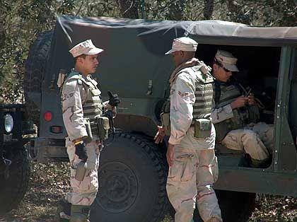 ShotSpotter: Der Soldat links trägt den Sensor auf dem Rücken