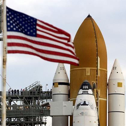 """Raumfähre """"Endeavour"""" während der Startvorbereitungen in Cape Canaveral: Sabotage am Computer"""
