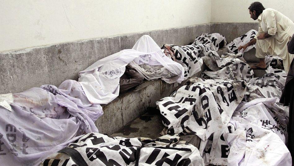 Opfer der Brandkatastrophe in Karatschi 2012