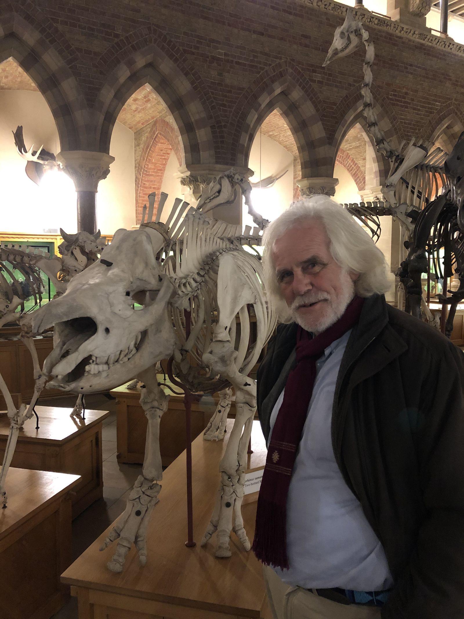 EINMALIGE VERWENDUNG Der deutsche Zoologe Fritz Vollrath