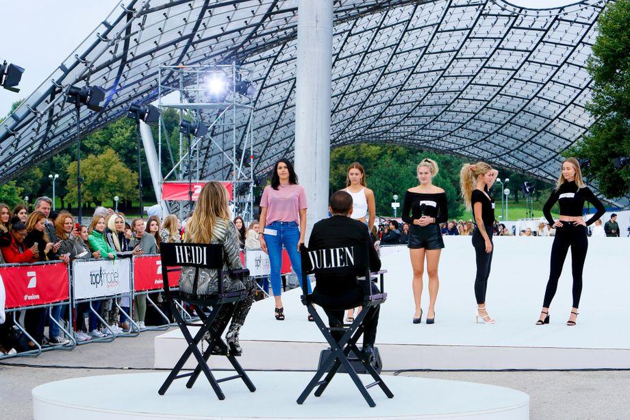 In der ersten Folge der 15. Staffel saß neben Heidi Klum der britische Modedesigner Julien Macdonald in der Jury.