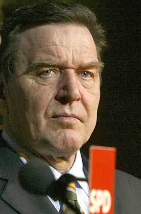 """Gerhard Schröder: """"allmächtiger Erwachsener, nicht ansprechbar, so eine Art Übermensch""""?"""