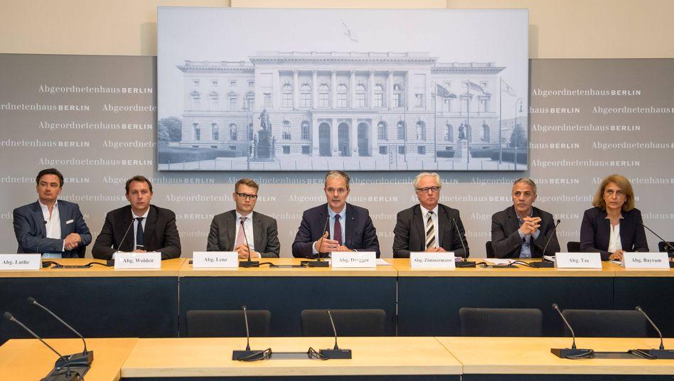 FDP-Politiker Luthe (l.) im Amri-Untersuchungsausschuss