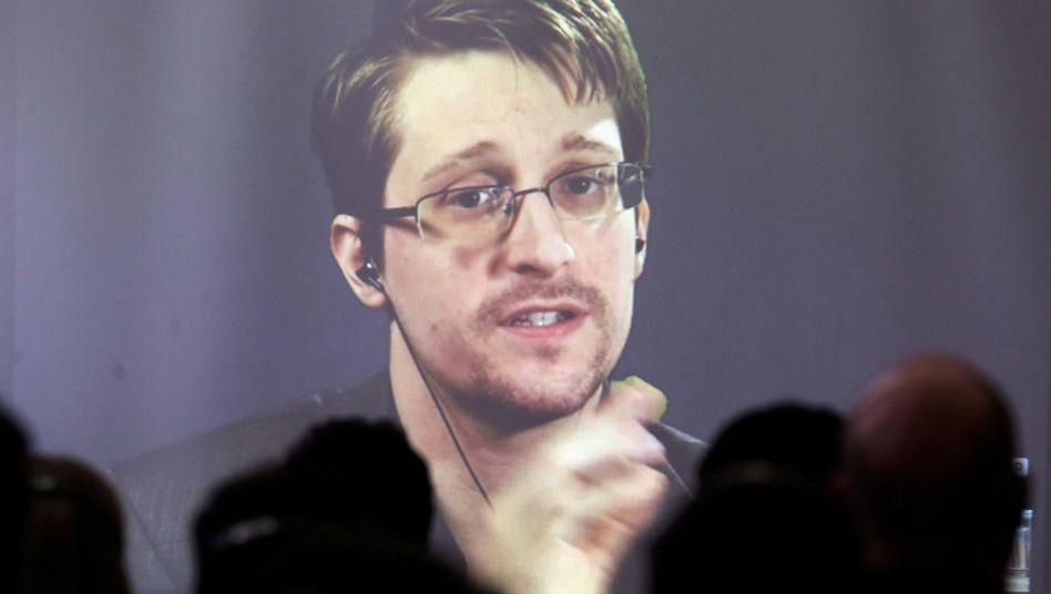 Edward Snowden (auf einer Konferenz in Argentinien per Video zugeschaltet)