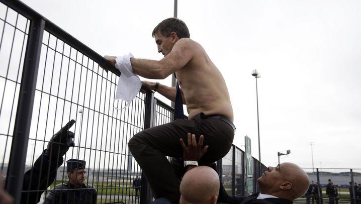 Streit um Sparplan: Mitarbeiter stürmen Betriebsratssitzung von Air France