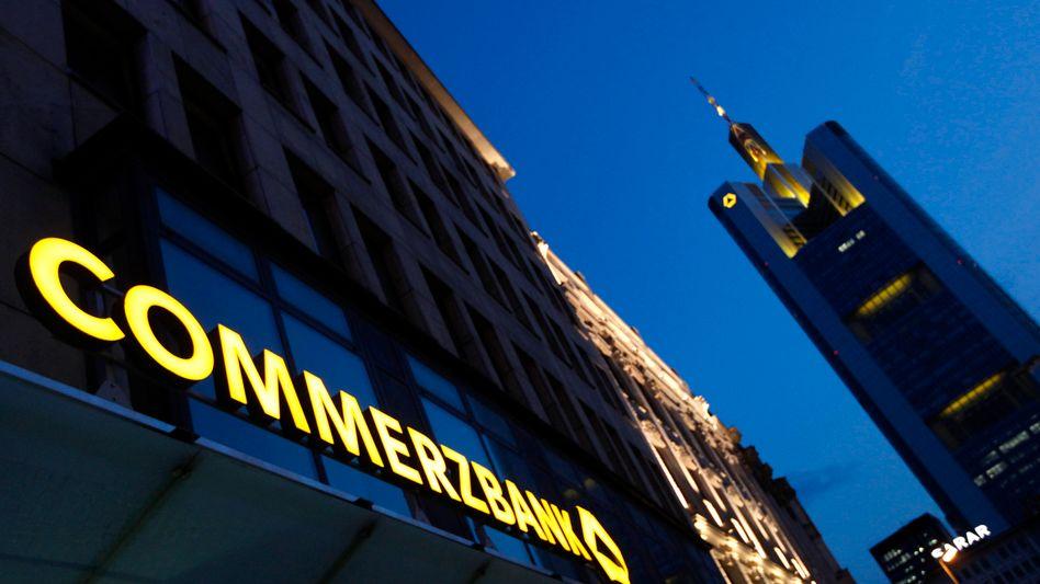 Commerzbank-Filiale in Frankfurt: Management hält Antworten für nicht zufriedenstellend