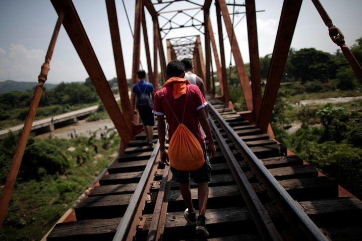 Gefährliche Reise: Viele Migranten fliehen vor Gewalt in Mittelamerika. Auf der Flucht durch Mexiko tritt ihnen nun die Nationalgarde entgegen