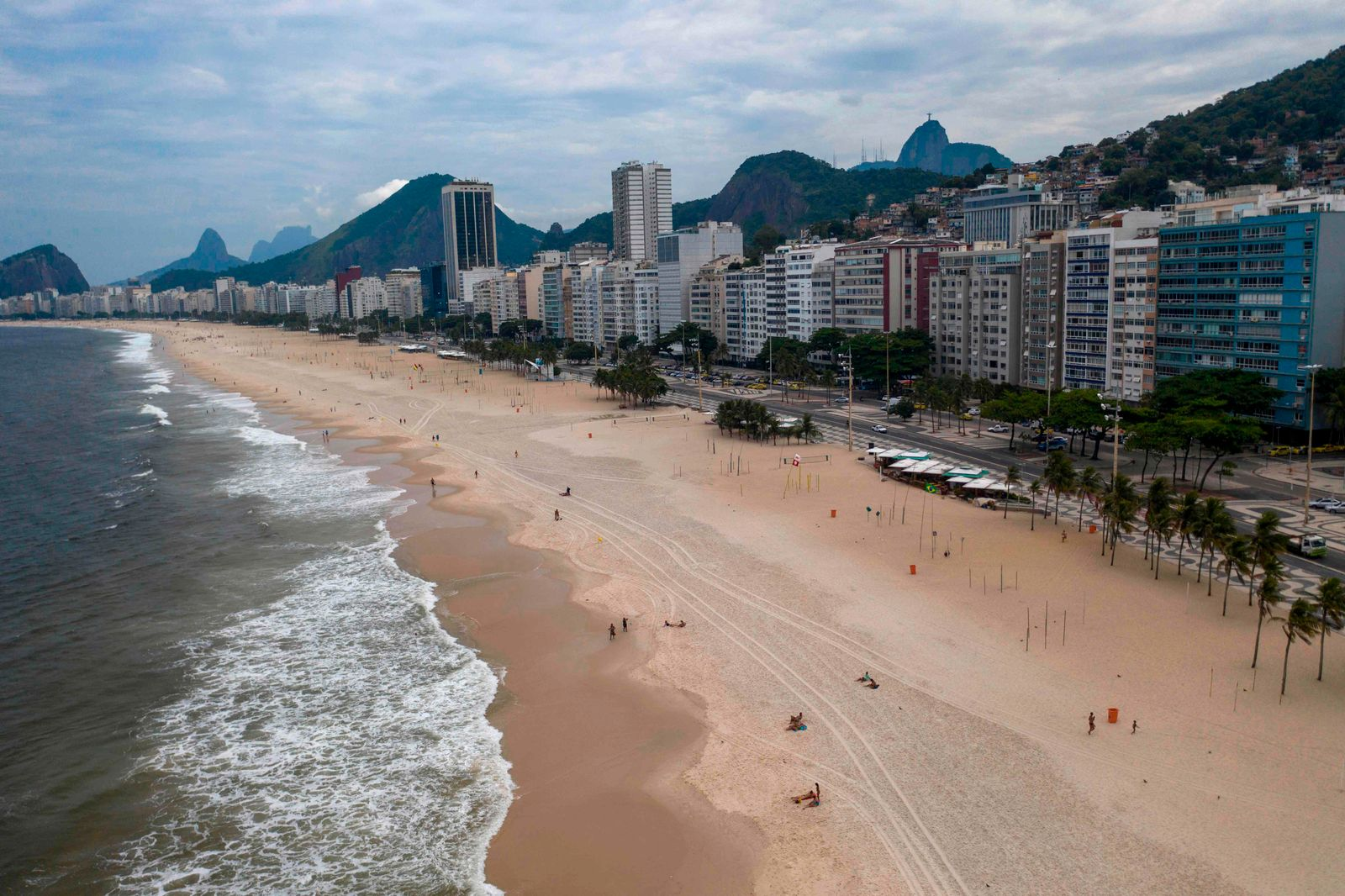 FILES-BRAZIL-HEALTH-VIRUS-BEACH-APP-RESERVATION