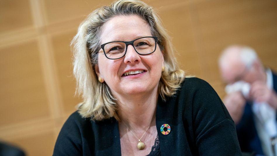 Bundesumweltministerin Svenja Schulze (SPD) über Peter Altmaier (CDU): »Seine Nebelkerzenpolitik macht mich sauer«