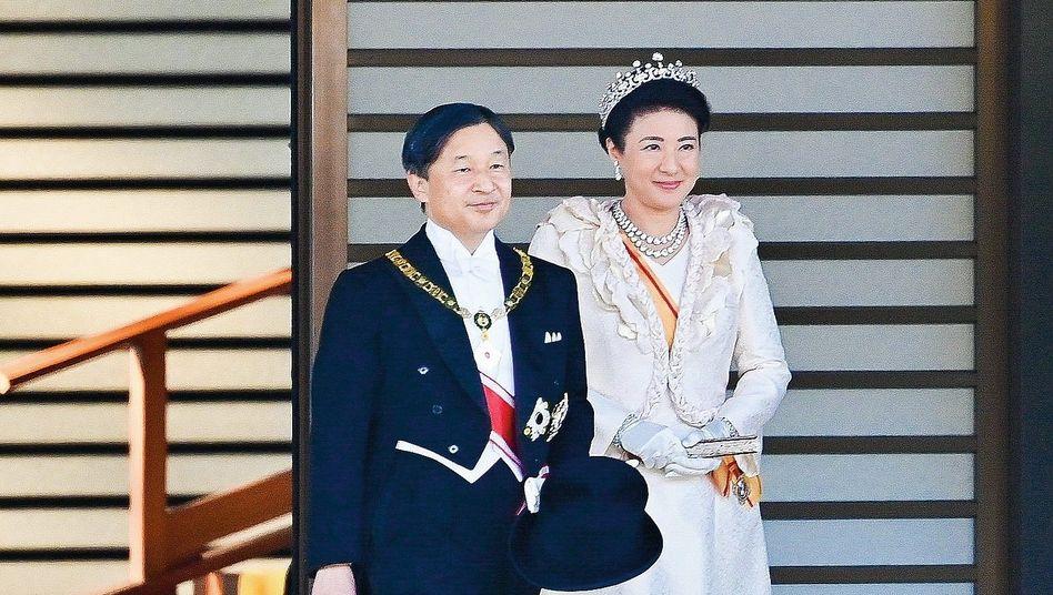 Monarchenpaar Naruhito, Masako:Nur ein Maskottchen?