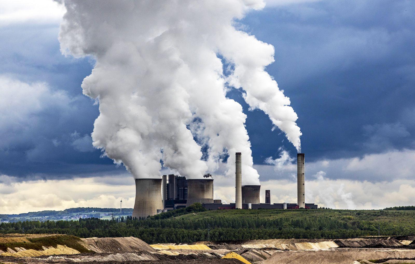 EINMALIGE VERWENDUNG CO2 / Klima / Umwelt / Braunkohlekraftwerk