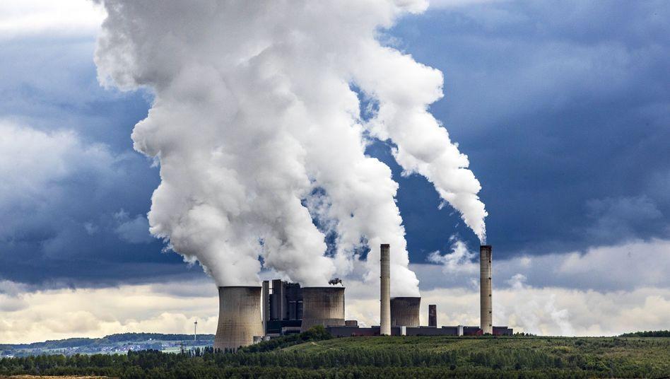 Braunkohlekraftwerk in Nordrhein-Westfalen: Eine Tonne CO2 war billiger als eine Pizza