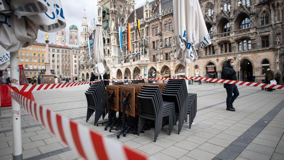 Absperrungen auf dem Marienplatz in München