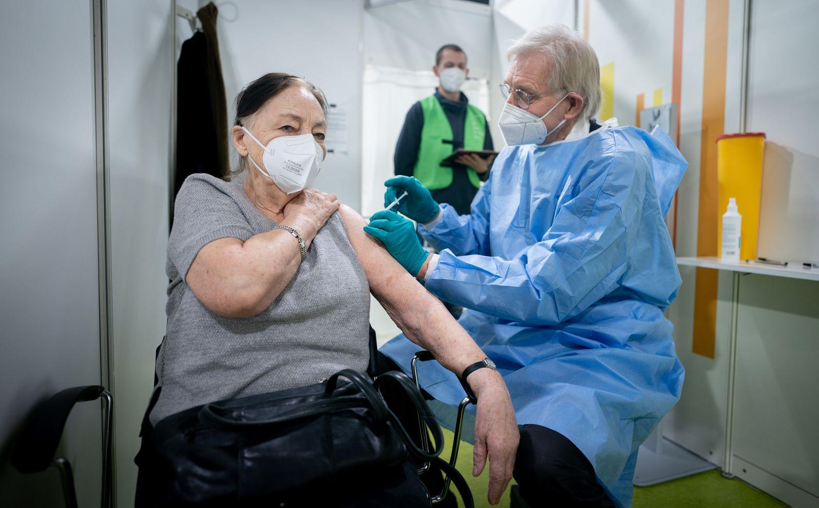 Coronavirus - Start des zweiten Impfzentrums in Berlin
