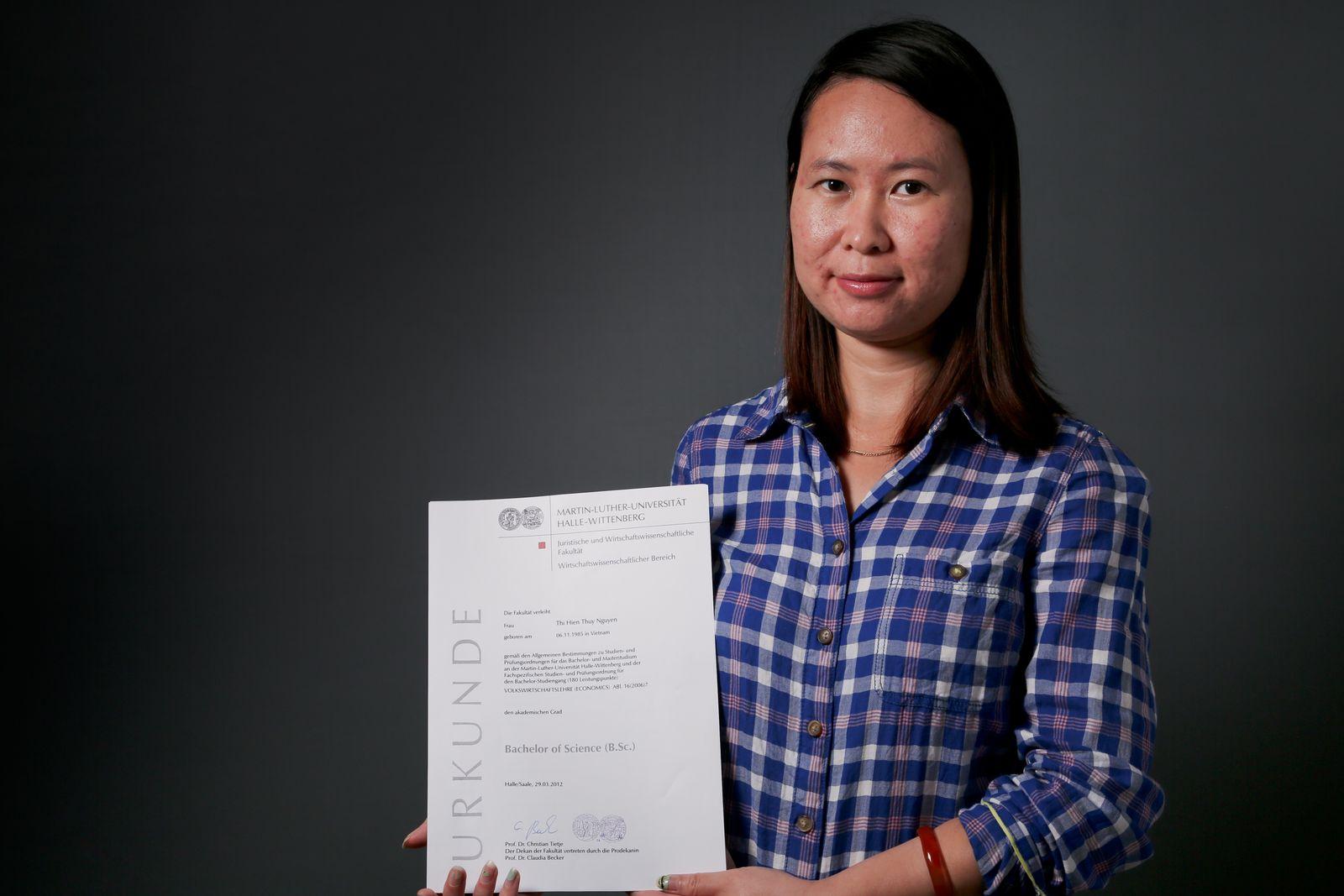 EINMALIGE VERWENDUNG DER SPIEGEL 38/2013 SPIN pp70 Rassismus-Debatte / Nguyen Thi Hien Thuy