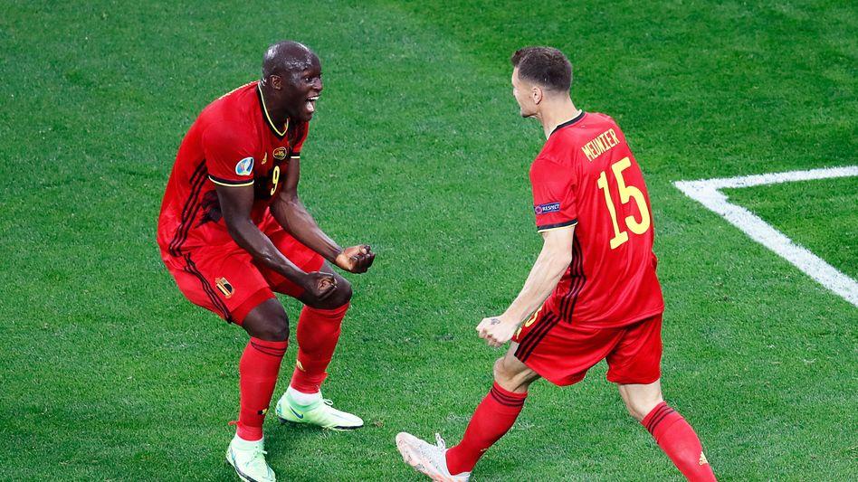 Gruppenspiel gegen Russland: Belgiens Romelu Lukaku (links) feiert mit Thomas Meunier