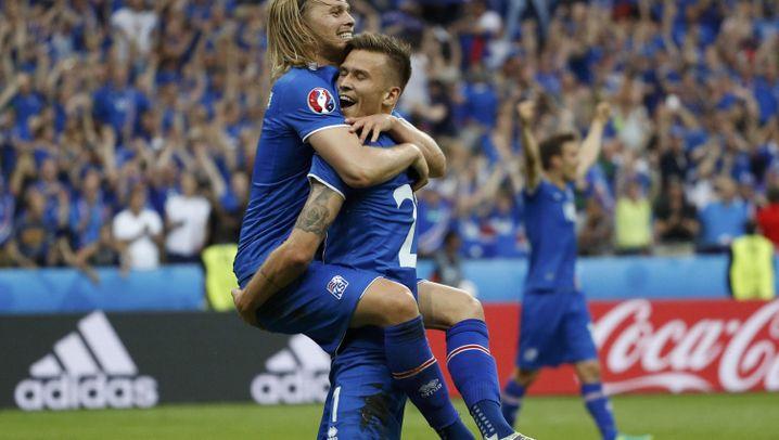 Island besiegt Österreich: In der Nachspielzeit eiskalt