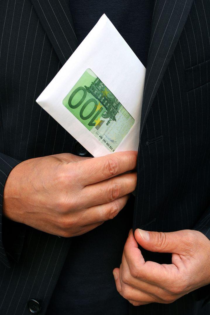 Geldspritze fürs eigene Heim: Geschenke vom Geschäftspartner sind tabu