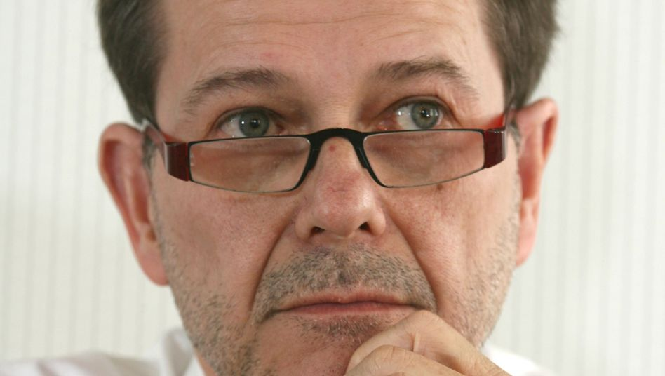 Minister Olbertz: Seine Promotionsschriften aus DDR-Tagen werfen Fragen auf