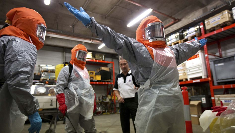 Freiwilligen-Training: Im Kampf gegen Ebola