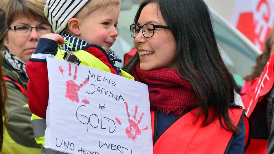 Kundgebung von Erziehern in Jena: Gewerkschaften machen Druck