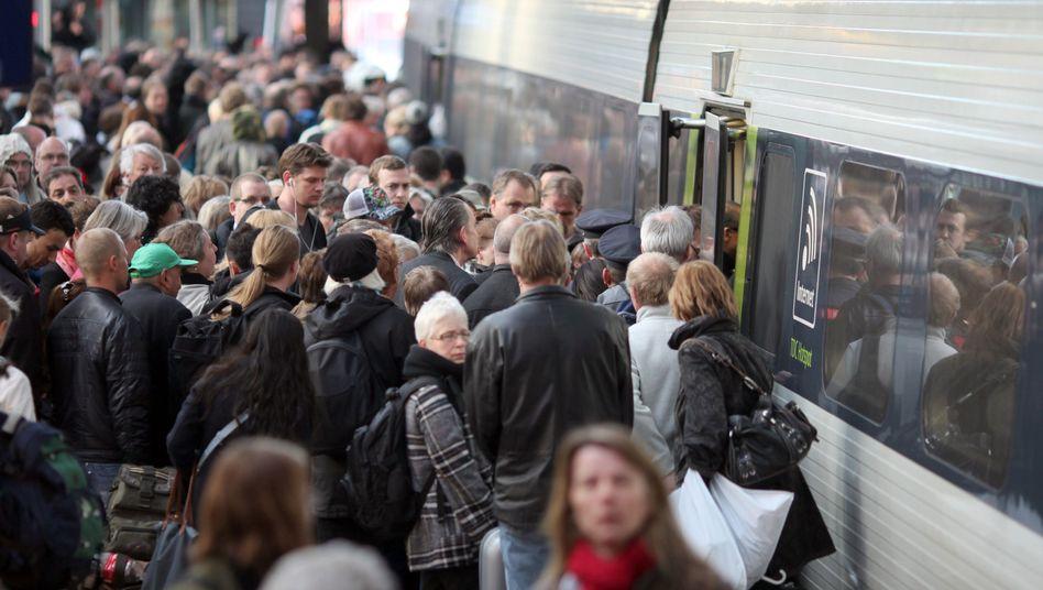 Hamburger Hauptbahnhof: Reisende sollen auf unnötige Reisen verzichten