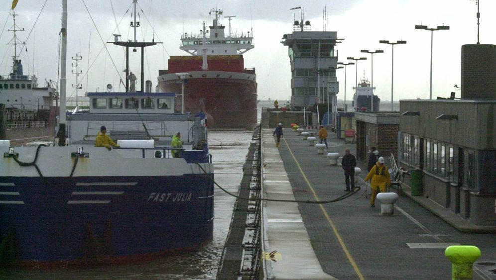 Photo Gallery: Troubled Times for the Kiel Canal