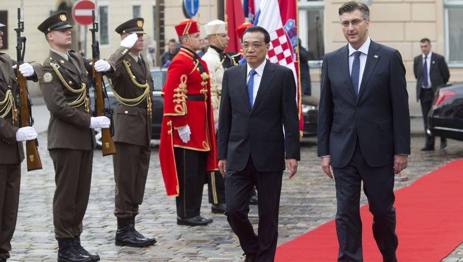 Chinas Premier Li Keqiang und sein kroatischer Amtskollege Andrej Plenkovic
