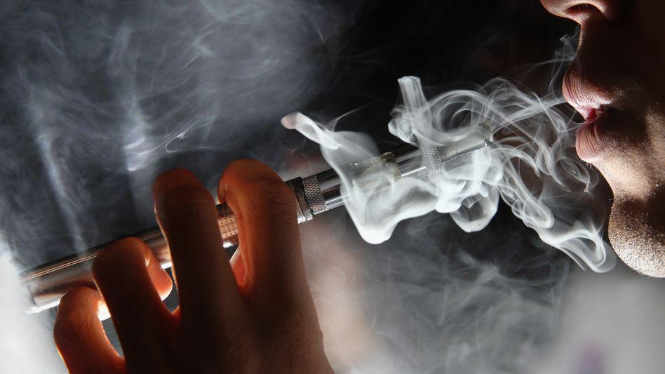 """Dampfer: """"Wir wissen, dass sie viel sicherer sind als herkömmliche Zigaretten"""""""