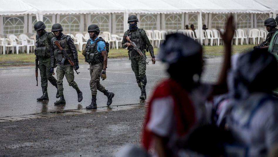 Kamerunische Sicherheitskräfte in der Provinz Südwest, Oktober 2018
