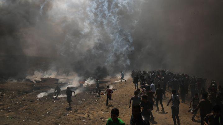 Proteste im Gazastreifen: Brennende Reifen, fliegende Steine