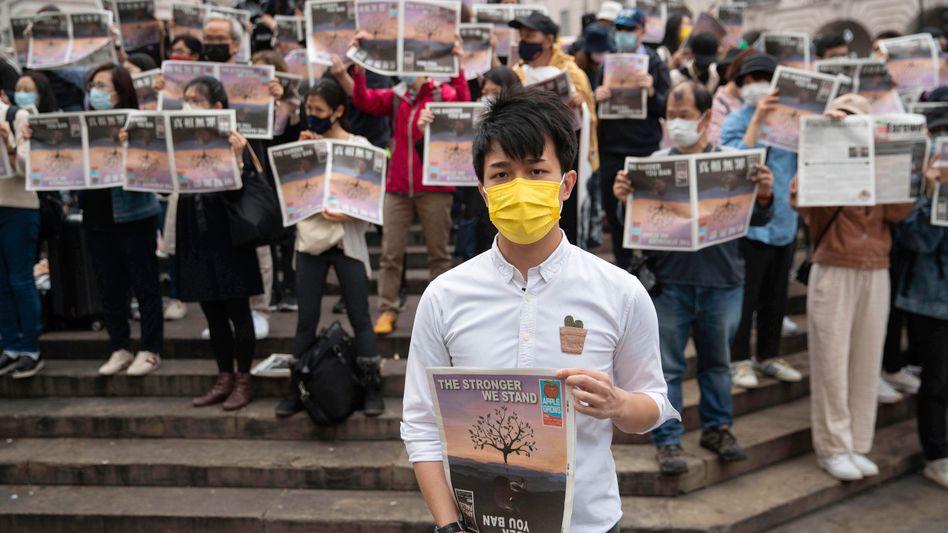 Eine Demonstration für die Redaktion der »Apple Daily« in London