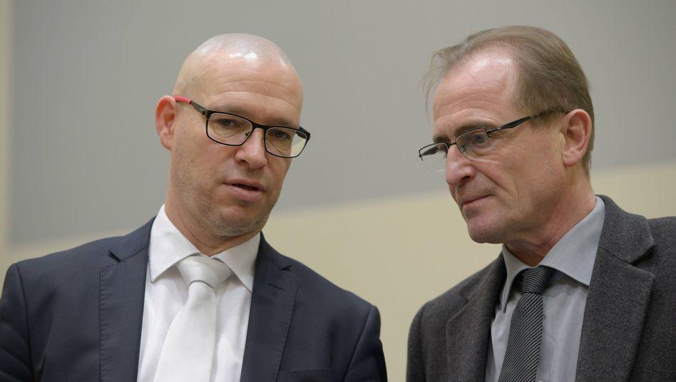 Anwälte Olaf Klemke (l.) und Wolfram Nahrath beim NSU-Prozess (Archivfoto)