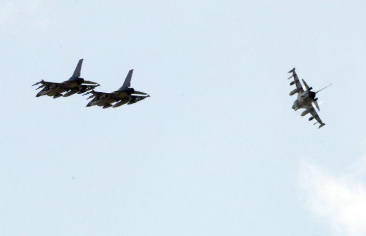 Dänische Kampfflugzeuge: Landung in Sizilien