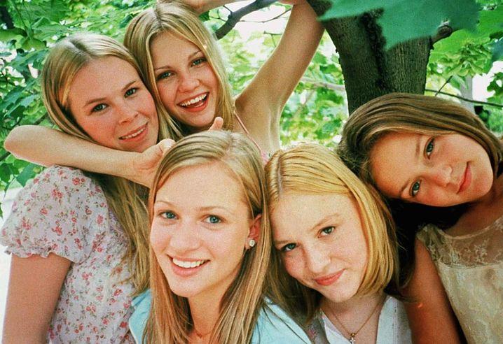 """Kirsten Dunst (oben rechts) in """"The Virgin Suicides"""" von Sofia Coppola"""
