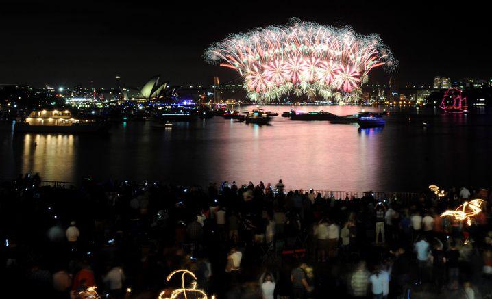 Normalerweise strömen am Silvesterabend jedes Jahr Hunderttausende Menschen an den Hafen von Sydney, um das Feuerwerk über der ikonischen Harbour Bridge zu genießen