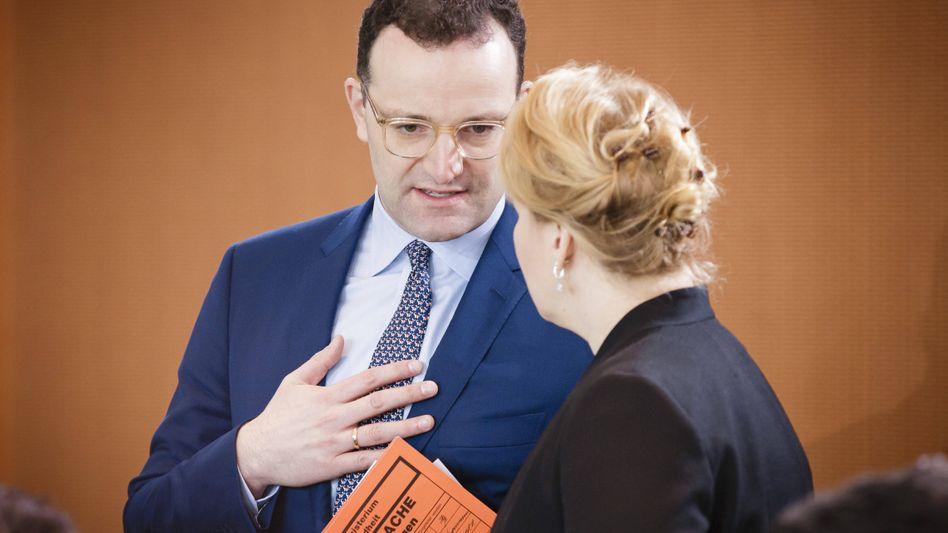 In der Krise sehr präsent: Gesundheitsminister Jens Spahn, hier mit Familienministerin Franziska Giffey (SPD)