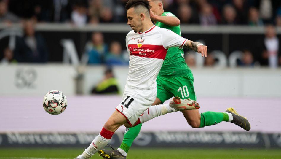 Der Stuttgarter Anastasios Donis erzielt das Siegtor gegen Borussia Mönchengladbach