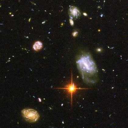 13 Milliarden Jahre alte Galaxien, fotografiert vom Weltraumteleskop Hubble: Alles nur simuliert?