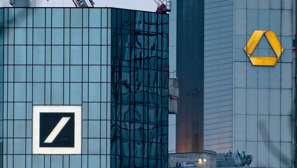 Gebäude der Deutschen Bank und der Commerzbank