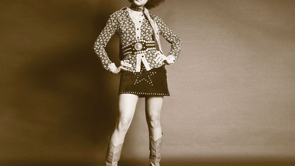 Betty Davis: Miles and More