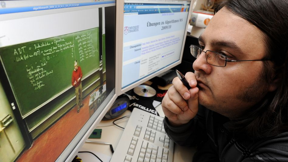 Der Prof auf dem Schirm: Ivaylo Mateev studiert Mathematik und Informatik online