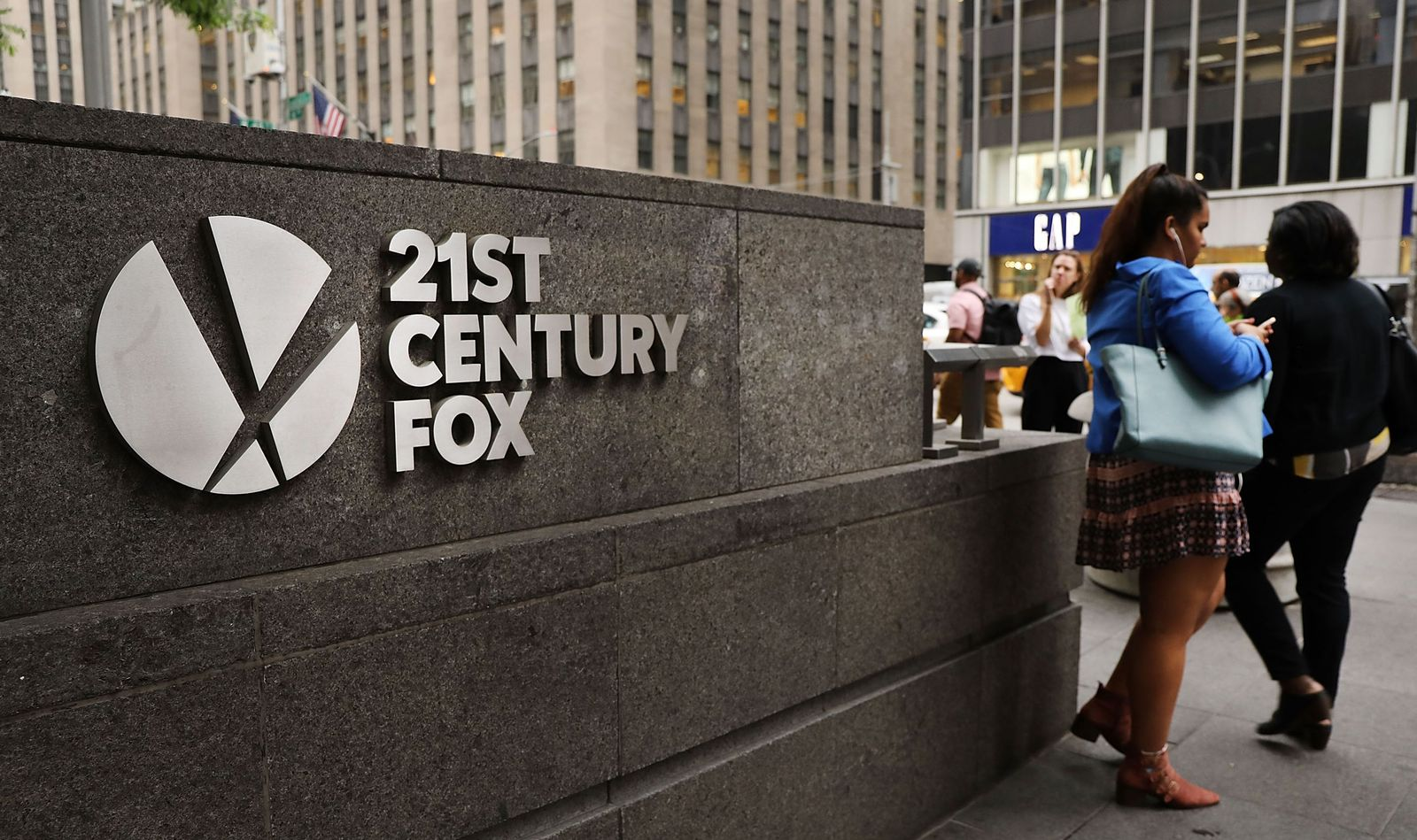 FILES-US-MEDIA-TELEVISION-COMCAST-FOX-DISNEY