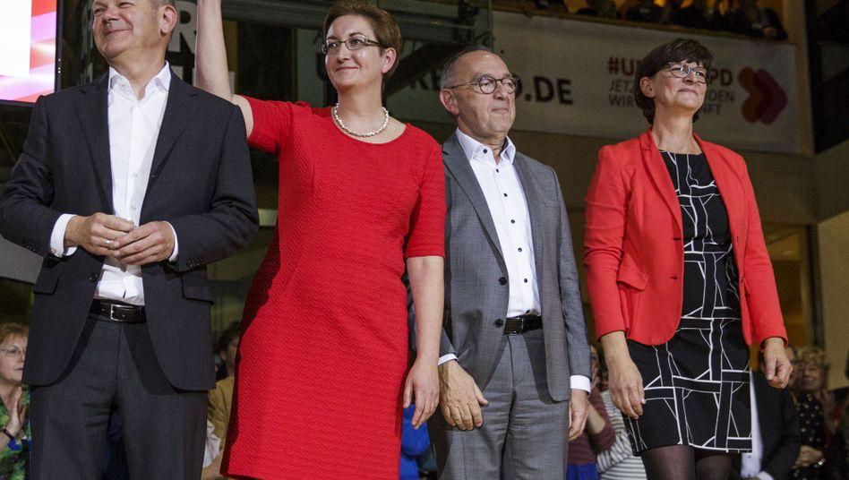 Die Duos im Kampf um den SPD-Vorsitz im Willy-Brandt-Haus
