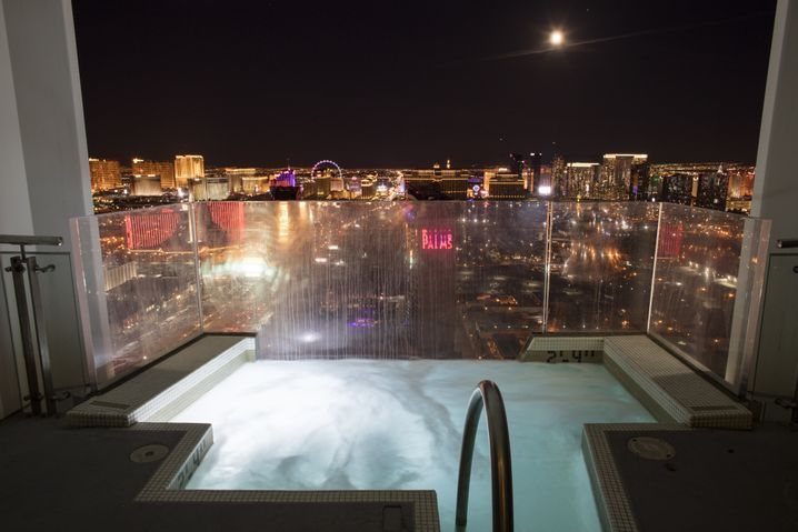 A hot tub at Palms Casino Resort with a view over the city.