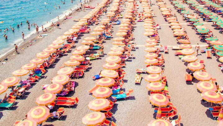 Italien-Bildband: Dolce Vita unterm Schirmchen